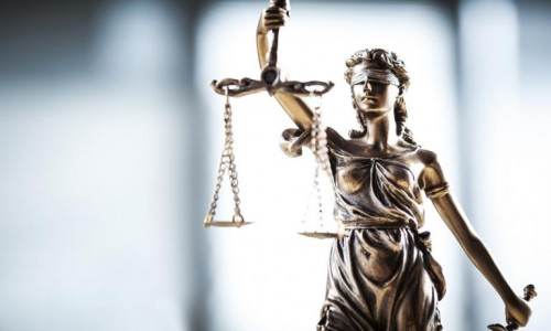 Osztatlan jogász